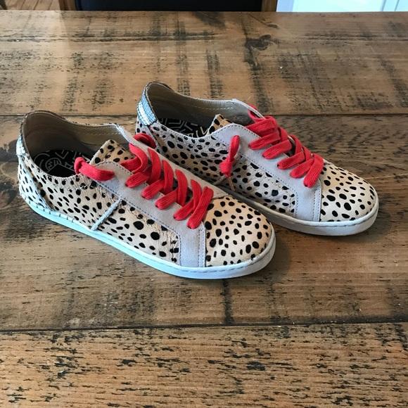 b5334b6e52c0 Dolce Vita Shoes - Dolce Vita Zalen Leopard Print Sneaker